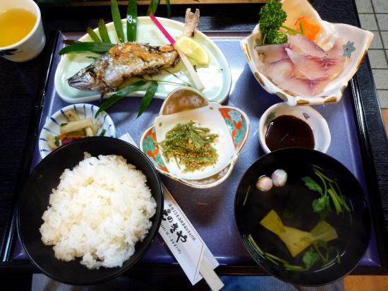 川魚定食.jpg